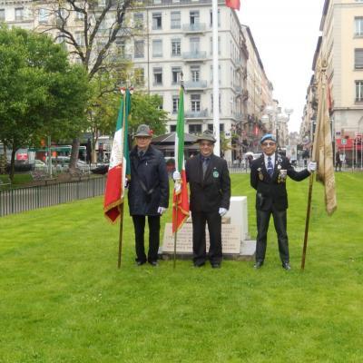 Cérémonie en hommage aux combattants de Verdun .  Samedi 25 avril 2015 place Carnot Lyon 69002 .